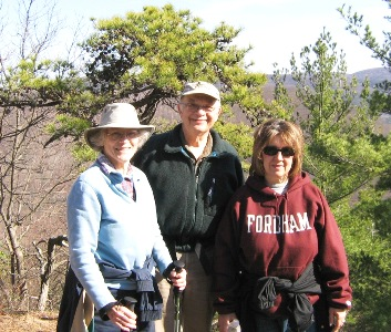 fun-2009-04-06-Hike-Pine-Knob.jpg